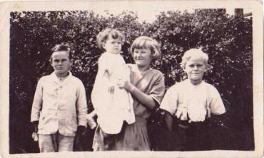 Bryan, Ernie Myrtle & Alan at Kundip
