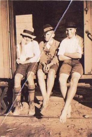 Halbert, Arthur (centre) with Archie & Jack Mathews at Kundip Railway Station.