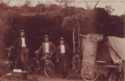 Halbert, James at Youanmi (Middle).