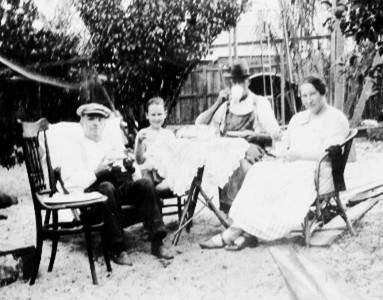 McMillan, Aura Mary Constance with Mr McKenzie & stepdaughter Nancy with unknown