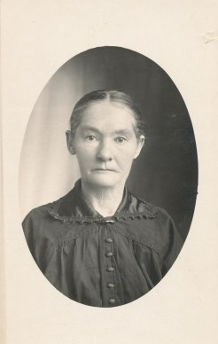 McMillan, Mary (McLaren) 1860-1935 daughter of John McMillan and Mary Regan. Fr Eril