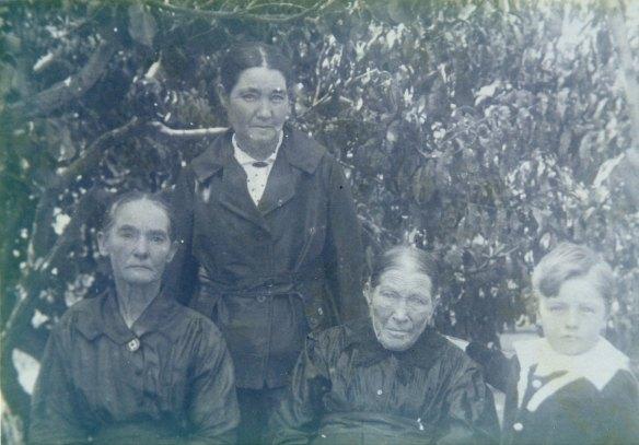 McMillan, Mary (McLaren). Ellen Anne, Regan, Mary & McMillan, Leslie Ernest abt. 1919 fr Eril