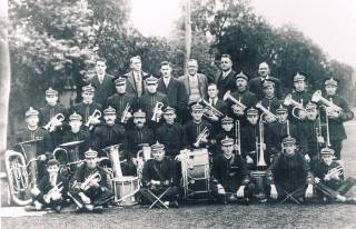 Perrin & Simpson Band Pic 1928 (2)