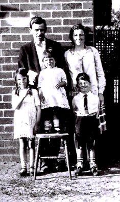 Bryant, William T, Irene F, Kath J, Keith, Betty abt 1928
